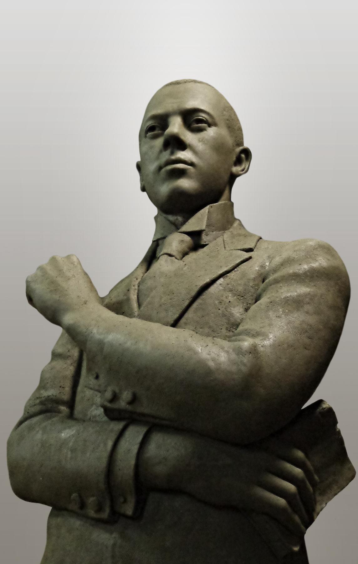 Anton Alekseevich Gordeenko. Monument to Gumilyov N.S.