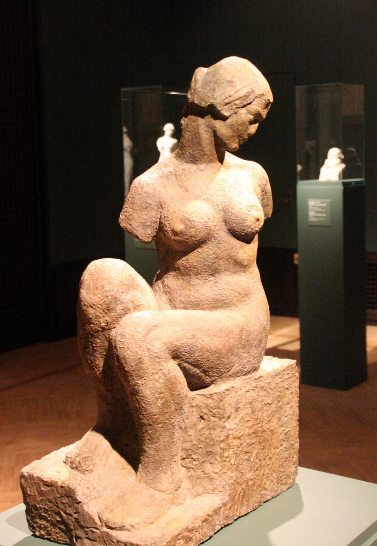Марина Давыдовна Рындзюнская. Seated nude