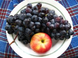 Alexey Grishankov (Alegri). Apple and grape