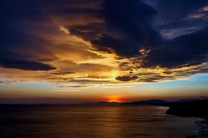 Pavel Homenko. Sunset under the black sea