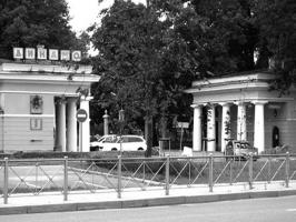 Олег Леонидович Лялин. Стадион «Динамо». Ленинград. Портик.