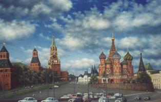 Arkady Paransky. View of the Kremlin from the Bolshoy Moskvoretsky bridge.