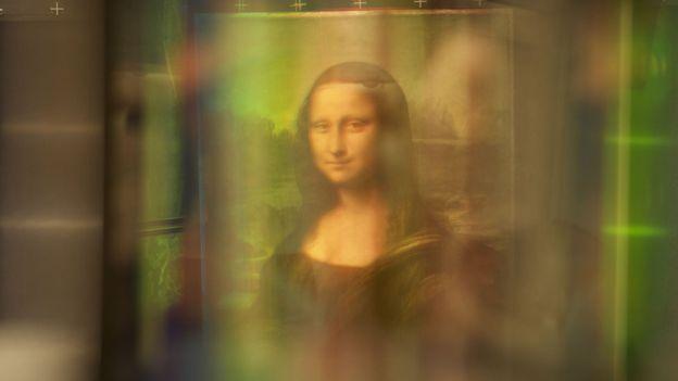 Под Моной Лизой скрывается другой портрет, утверждает учёный