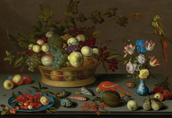 Балтазар ван дер Аст. Натюрморт с фруктами на тарелке и в корзине, вазой с цветами и двумя попугаями