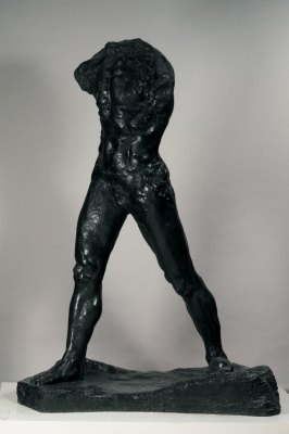 Огюст Роден. Шагающий человек