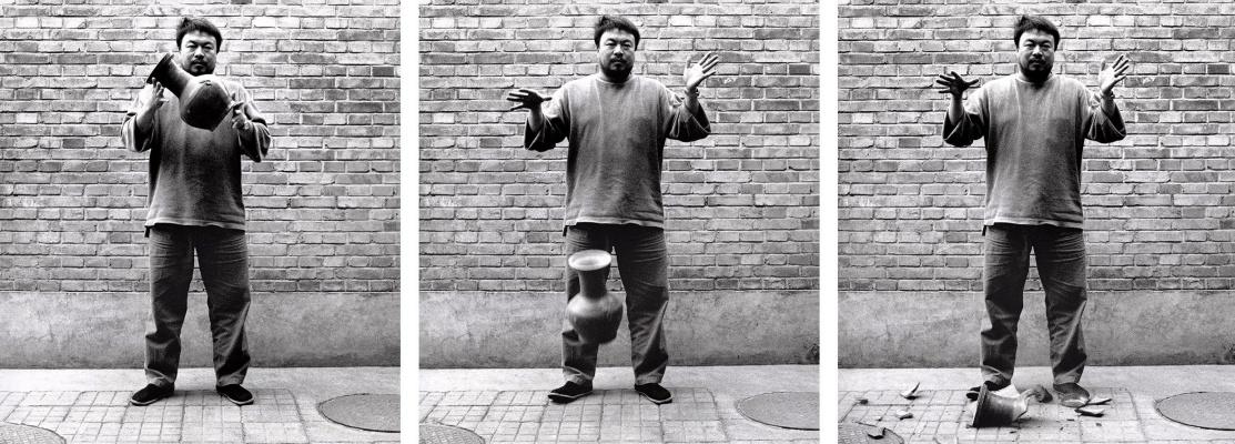 Ai Weiwei. Dropping a Han dynasty urn