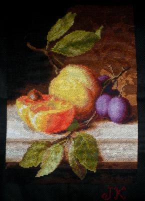 Юлианна Комарова. «Натюрморт с персиком»