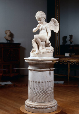 Sitting Cupid