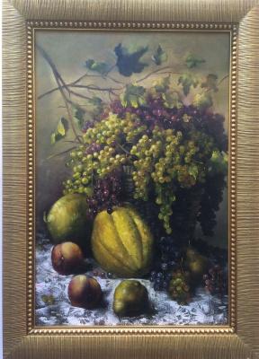 Toloraya Tariel. Basket with grapes