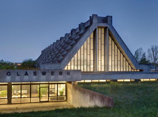 Walter Gropius. Rosenthal Glassware Factory