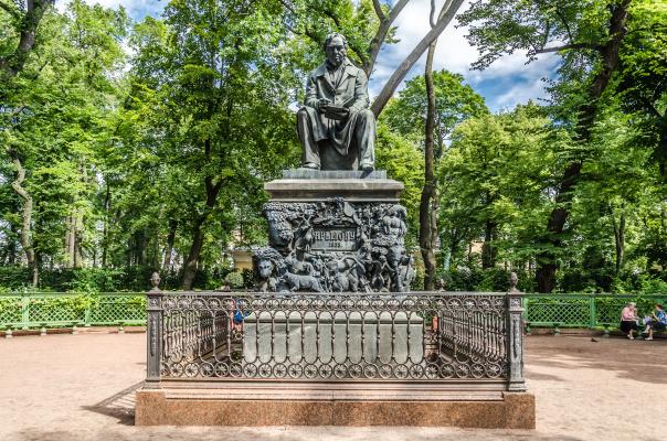 Peter Karlovich Klodt von Jurgensburg. Monument to Ivan Andreevich Krylov