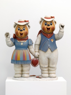 Jeff Koons. Winter bears