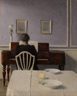 Interior with a woman at the piano. Stranddheed, 30