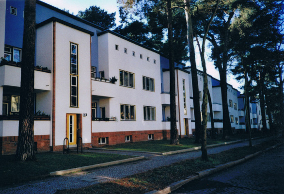 "Bruno Taut. Residential complex ""Uncle Tom's Cabin"""