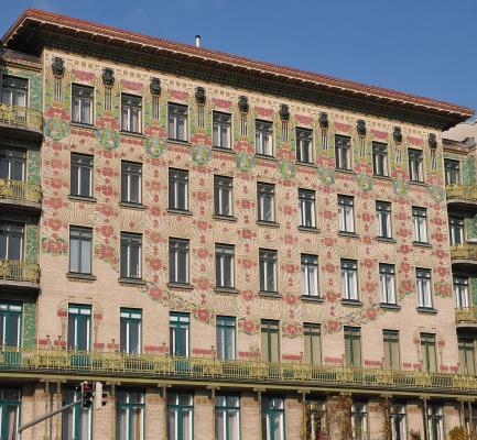 Otto Koloman Wagner. Majolikahaus, the apartment building at Linke Wienzeile no. 40