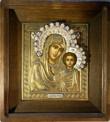 Igor Yurevich Drozhdin. Virgin of Kazan in a gilded chased frame with porcelain hand sculpting the crown and decorative plaques 31х27 cm in profile frame solid oak