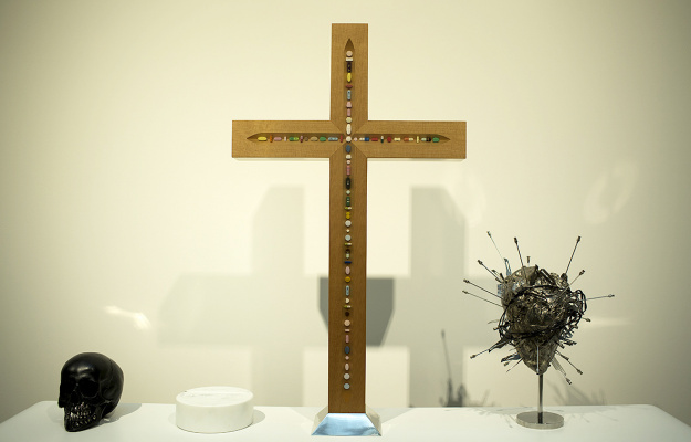 Damien Hirst. On the altar