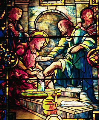 Луис Комфорт Тиффани. Иисус моет ноги ученикам