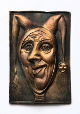 """""""Шут"""" рельеф, керамика 12х19 см"""