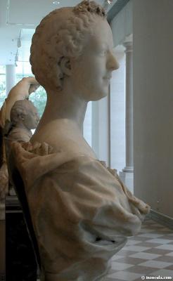 Жан Батист Пигаль. Бюст мадам де Помпадур