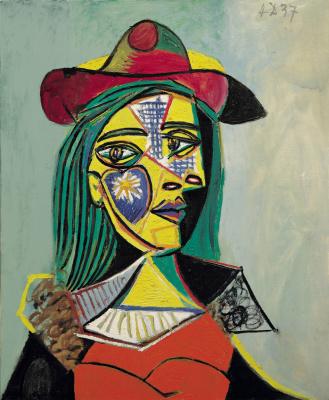Woman in hat, fur collar