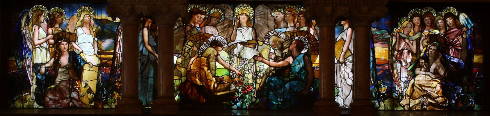 Louis Comfort Tiffany. Education (Chittenden Memorial Stained Glass Window). Yale university