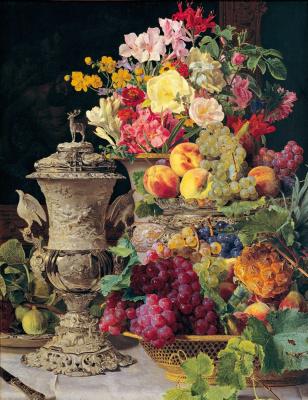 Натюрморт с фруктами, цветами и серебряной чашей
