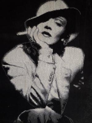 Tatyana Nikulina. Marlene Dietrich