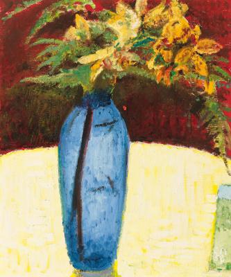 Натюрморт с лилиями и папоротником в голубой вазе