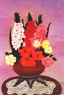 Кумир. Весенние цветы на кружевной салфетке