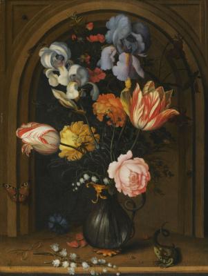 Балтазар ван дер Аст. Натюрморт в нише, с ирисами, тюльпанами, ландышами, розами в стеклянной вазе с ящерицей и бабочкой