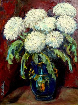 Olga Ogloblina. White chrysanthemums