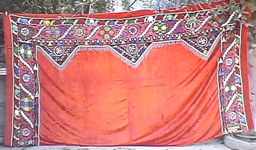 Kyrgyz embroidery. Tush Kiiz