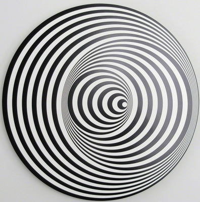 Marina Apollonio. Circular dynamics of 6V
