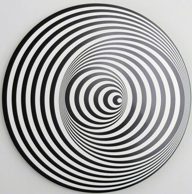 Marina Apollonio. Circular dynamics of 6V