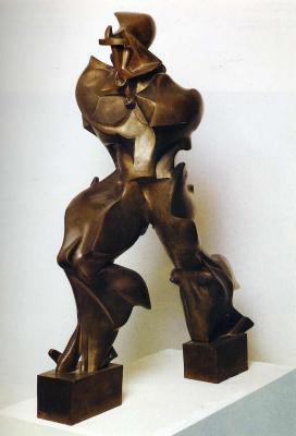 Умберто Боччони. Статуя