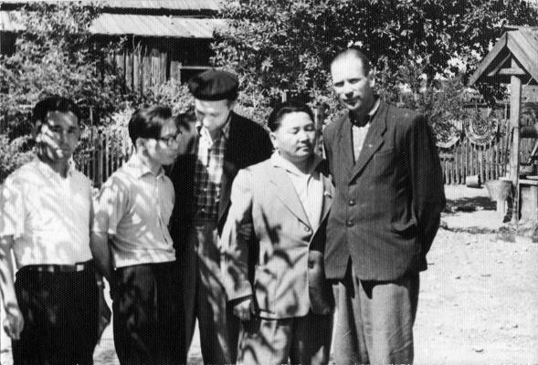Надежда Николаевна Рушева. Справа налево: И.Я.Кузнецов,С.К. Ланзы,Н.К. Рушев, Ю.Ш.Кюнзегеш