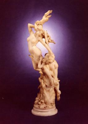 Витторио Карадосси. Мраморные женские фигуры