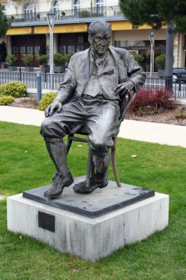 Alexander Iulianovich Rukavishnikov. Monument to Vladimir Nabokov