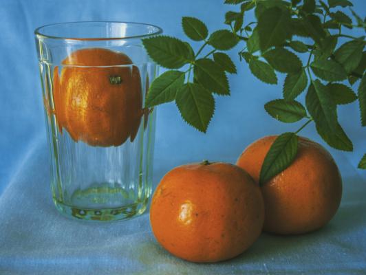 Artyom Orekhov. Dance with tangerines