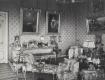 Рабочий кабинет императрицы Александры Федоровны в Зимнем дворце. Фото 1917 года, из коллекции Государственного Эрмитажа