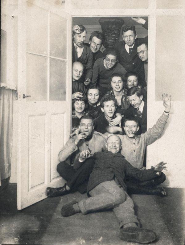 Студенты, преподаватели и гости Баухауза, 1922