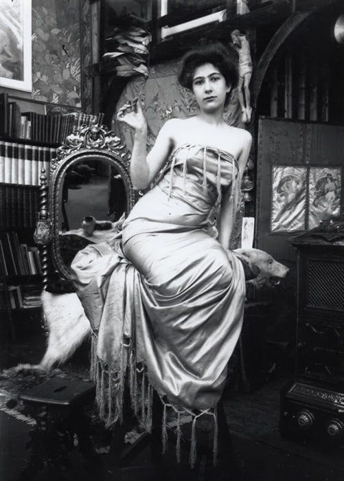 Photo models of Alphonse Mucha – in the photos and paintings. Captivating images and their prototypes
