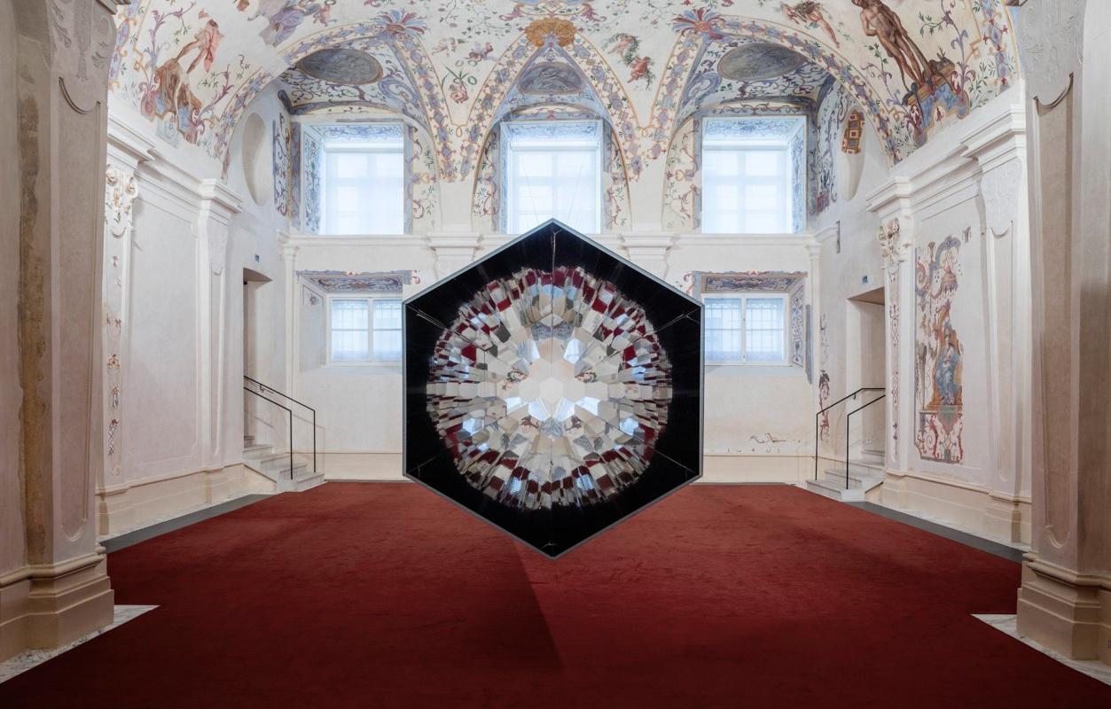 Baroque Baroque: иллюзии Олафура Элиассона в роскошном дворце в Вене