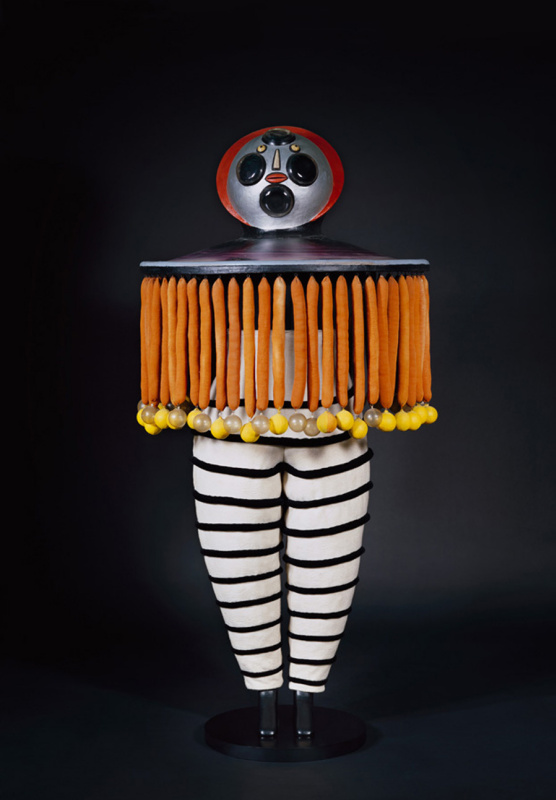 Фото: interiorator.com. Рисунки костюмов Оскара Шлеммера: moma.org