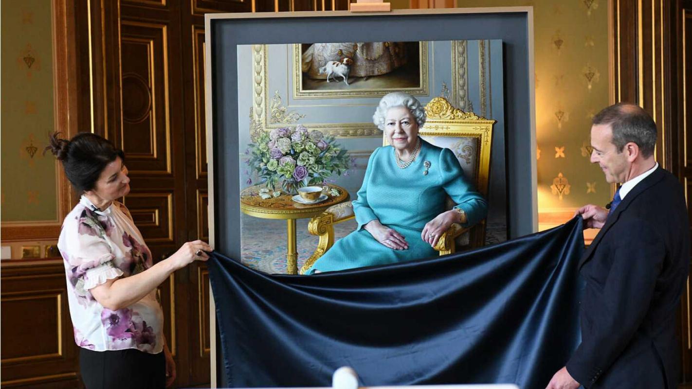 Королева Елизавета II приняла виртуальное участие в презентации собственного портрета