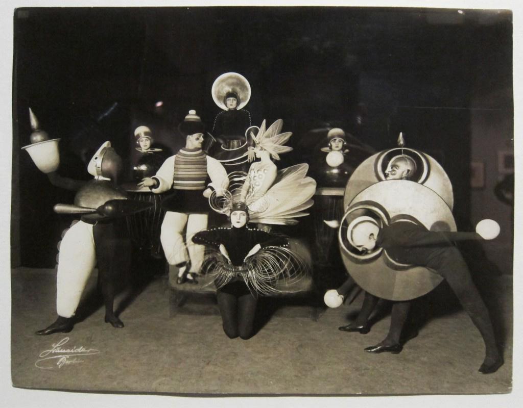 Артисты Триадического балета, студенты Баухауза, 1924