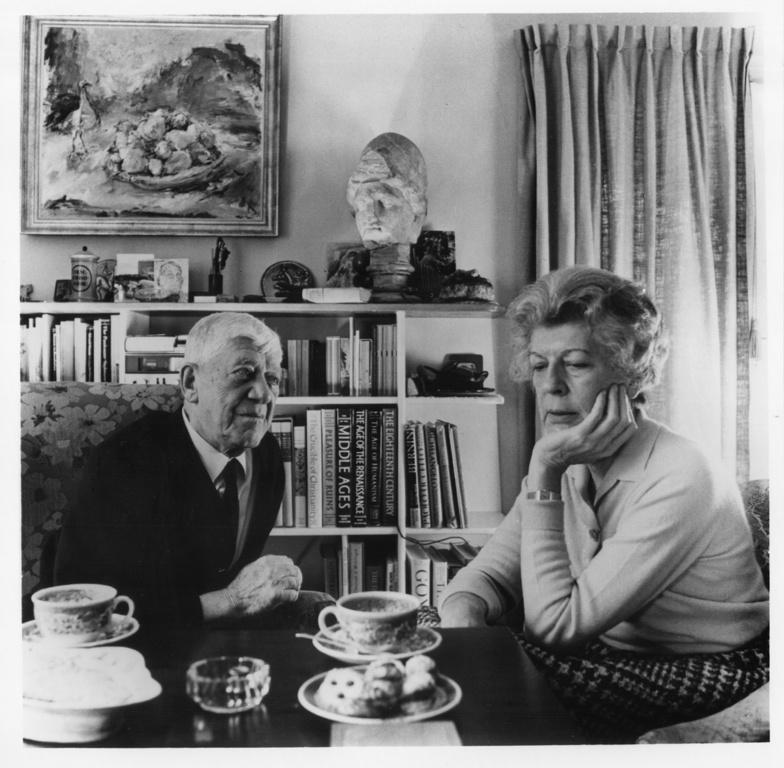 Olda and Oskar Kokoschka in Villeneuve, 1975.