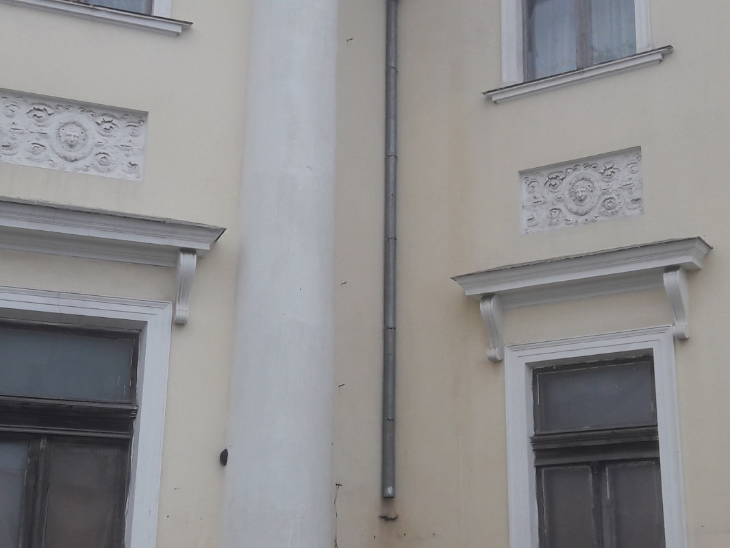 Ядро, застрявшее в стене Воронцовского дворца,2020 г.