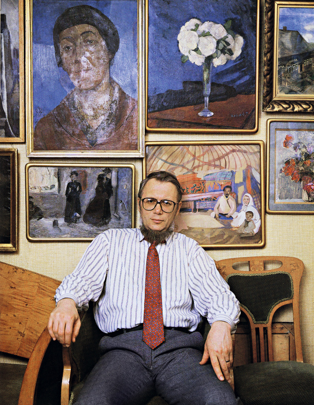 Художник и искусствовед Валерий Дудаков в московской квартире. Фото Леонида Огарёва, 1994. Предостав